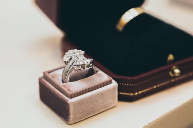 Diamond ring jewelry insurance feature